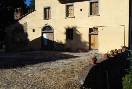 Farmhouse  TO RENT  Prato
